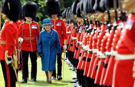 Queen and Grenadiers