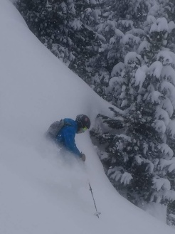 Harry tackles 'No Name' an off-piste run above Le Praz, Courchevel. (2019)